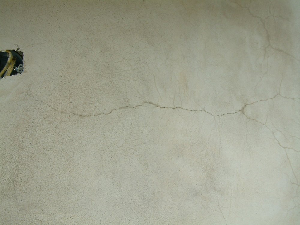 cracks in new stucco